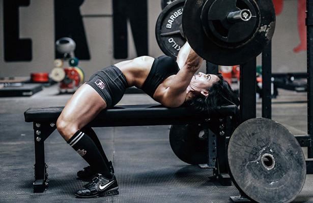 Diventa più grande, più veloce e più forte con esercizi composti